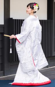 裏紅 刺繍 雲霞に鶴