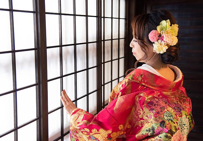 色打掛 ローズ赤バラに蝶のブログ画像